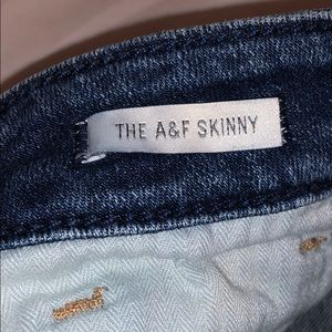 Abercrombie & Fitch Jeans - Abercrombie & Fitch distressed skinny jeans